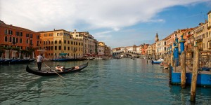 adventures-by-disney-europe-italy-hero-01-venice-gondola-ride